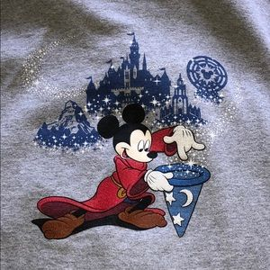 DISNEYLAND SWEATER 2017 (KIDS XL or small womans)